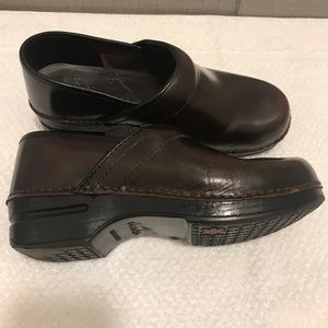Dansko professional brown clogsz 38